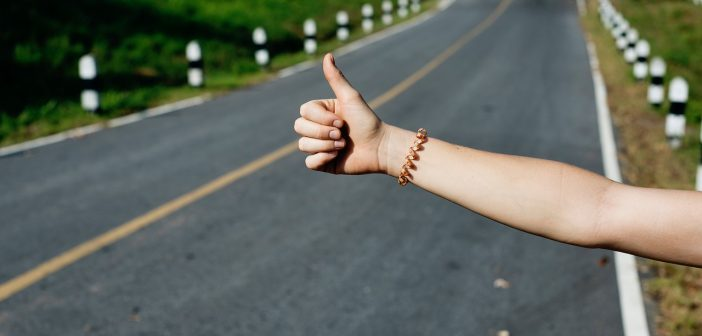 Hitchhiking tips for women