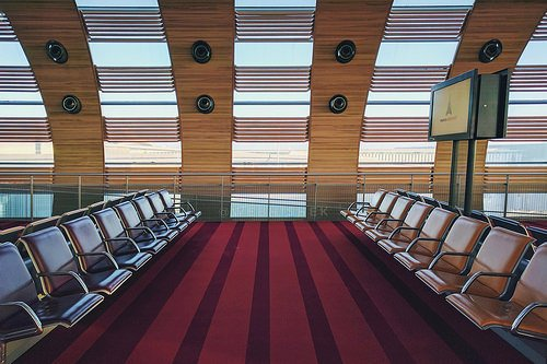 how to make the most of long layovers