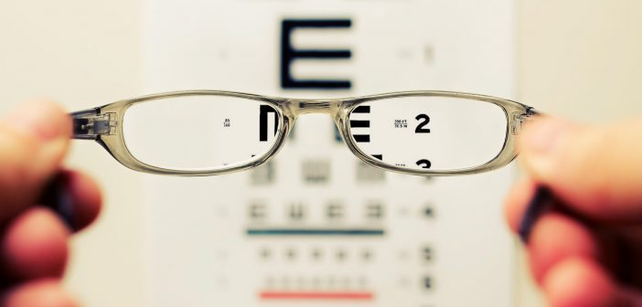 Specs, Contacts or Laser Surgery & Traveling: Which Option Suits you Best?