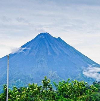 3 Must-See Volcanoes in Costa Rica