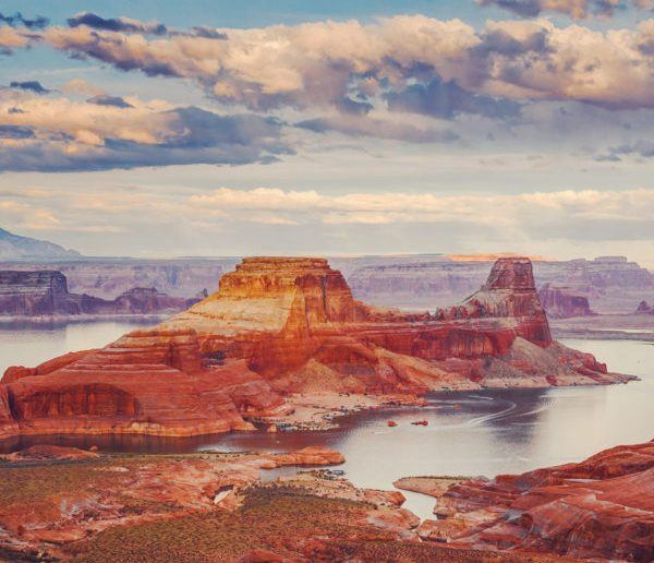 Damesly Lake Powell tour