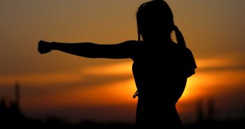 self defense tips for solo female travelers