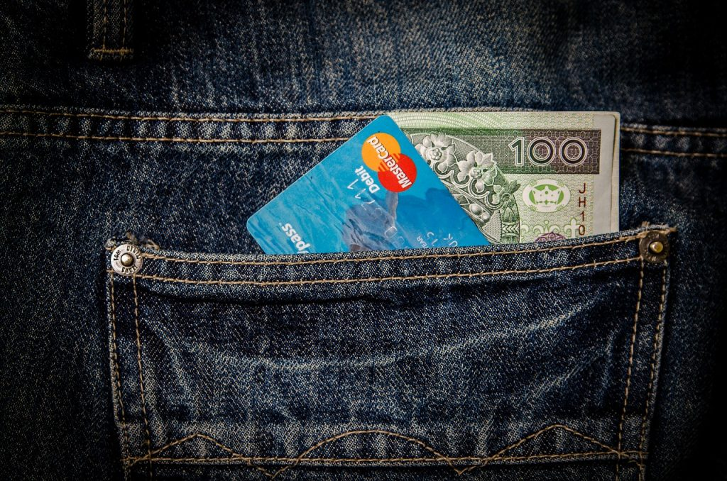Organizing your money while traveling.
