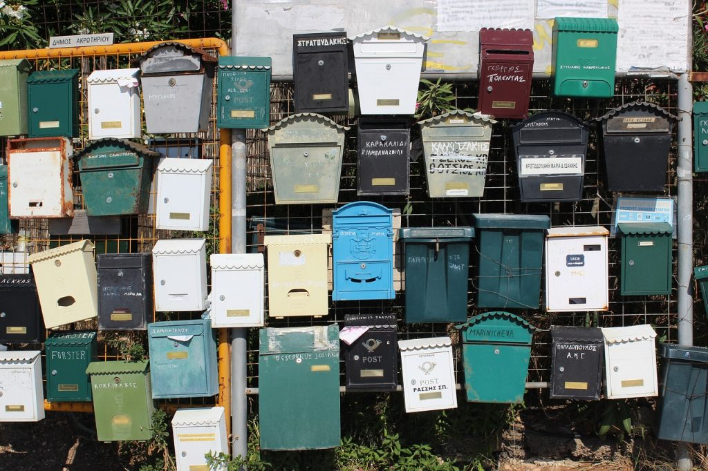 How to get your mail abroad, tips for forwarding mail when living abroad.